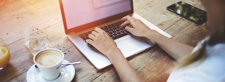 Studentenpeil laptop meisje foto