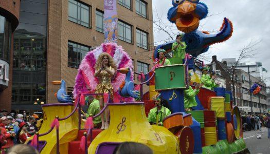 Carnavals optocht in het Lampegat